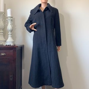 Jones NewYork gorgeous part wool long coat